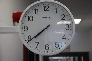 Uhr 2 OG
